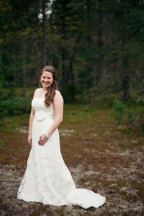 Michigan Bride in the woods